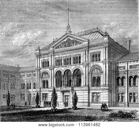 Kensington Museum, London, vintage engraved illustration. Magasin Pittoresque 1870.