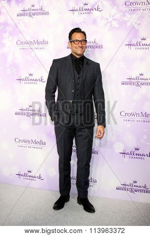 LOS ANGELES - JAN 8:  Lawrence Zarian at the Hallmark Winter 2016 TCA Party at the Tournament House on January 8, 2016 in Pasadena, CA
