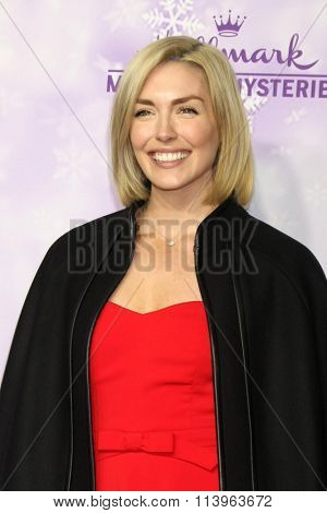 LOS ANGELES - JAN 8:  Taylor Cole at the Hallmark Winter 2016 TCA Party at the Tournament House on January 8, 2016 in Pasadena, CA