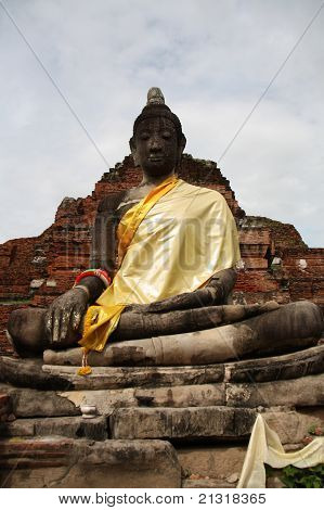 Buddha Statue Wat Mahathat Ayutthaya In Thailand