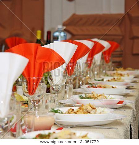 La mesa cubierta