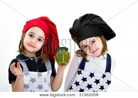 twins cook with pesto genovese