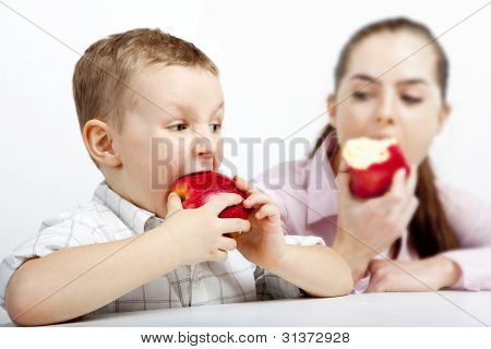 the race: Who  the first  will eat apple.