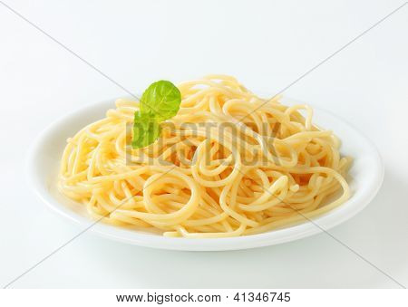 spaghetti only with basil