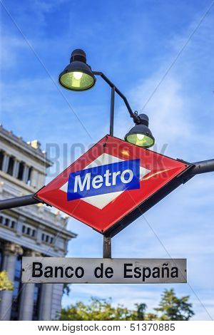 Banco De Espana Metro Station