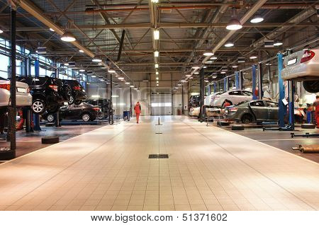 Image of a repair garage