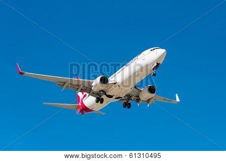 Jetstar passenger airplane landing