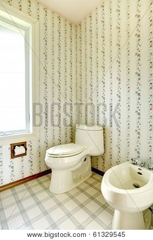 Floral Bathroom With Toilet And Bidet