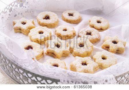 linzer augen - christmas cookies