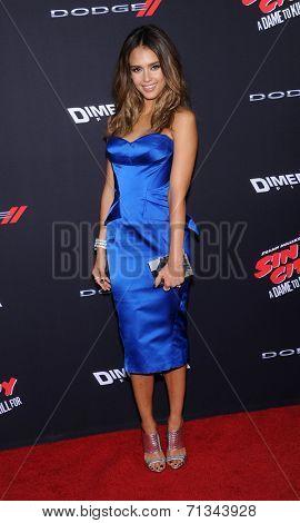 LOS ANGELES - AUG 19:  Jessica Alba arrives to the