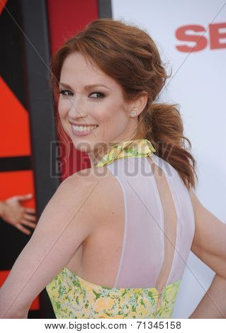 LOS ANGELES - JUL 10:  Ellie Kemper arrives to the