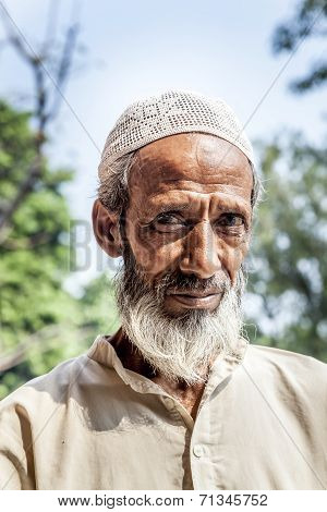 Muslim Tribal Man Wearing Traditional Taqiyah And Galabia