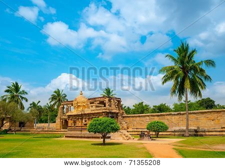 View Of The Ancient Gangaikonda Cholapuram Temple Dedicated To Shiva, Thanjavur (trichy), Tamil Nadu