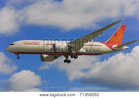 Iberia Airlines into Heathrow Airport