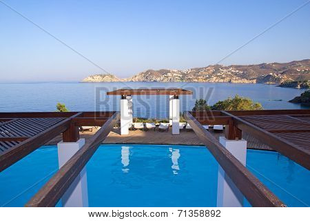 Luxurious Swimming Pool With Sea View