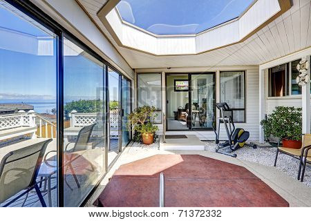 Screened Deck With Jacuzzi, Exercise Equipment And Skylihgt