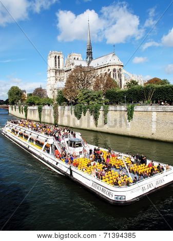tour of the River Seine