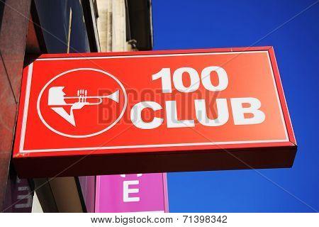 100 club sign