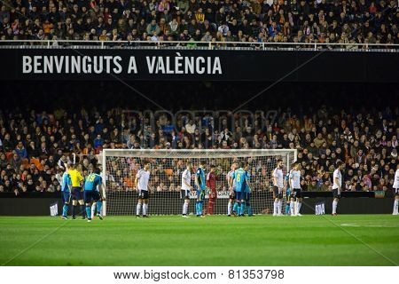 VALENCIA, SPAIN - JANUARY 25: Players both teams during Spanish League match between Valencia CF and Sevilla FC at Mestalla Stadium on January 25, 2015 in Valencia, Spain