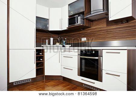 Whole Moder Kitchen