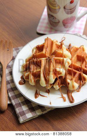 Waffle With Crokant sauce