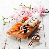 pic of sushi  - Sushi Set - JPG