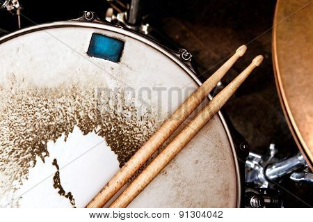 Music and instrument background