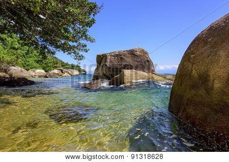 Lonely beach on the Ilha Grande, Rio de Janeiro