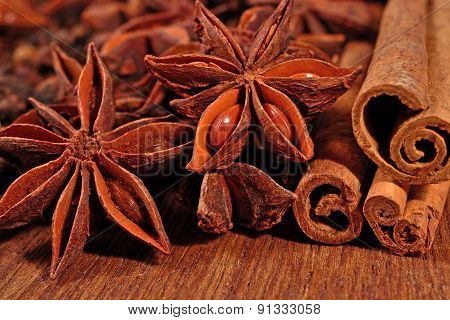 Star Anise And Cinnamon Sticks