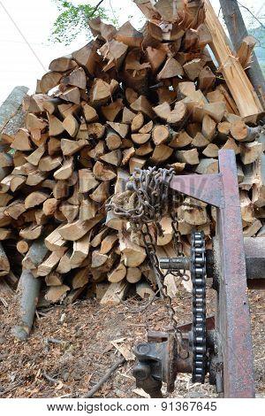 Cutting Machine And Logs