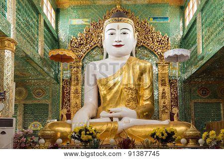 Burmese Buddha statue in the Soon U Ponya Shin Paya pagoda, Sagaing, Myanmar