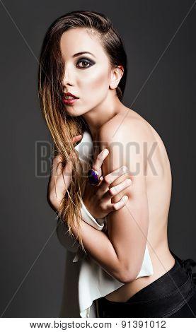 Studio Fashion Shot: Sexy Beautiful Woman