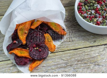 Carrot and beet chips with spices