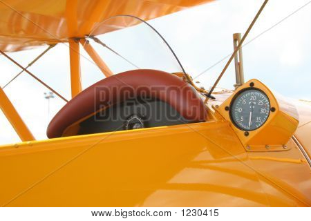 Yellow Oldtimer