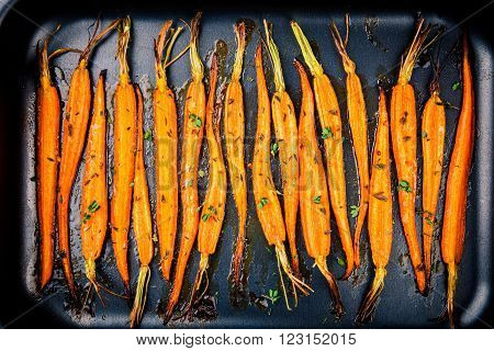 Baked Organic Carrots With Thyme