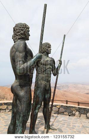 Ayos And Guize In Fuerteventura, Editorial