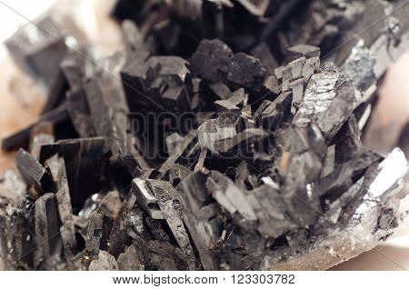 wolframite a tungsten cousin used in lightbulb filament manufacturing