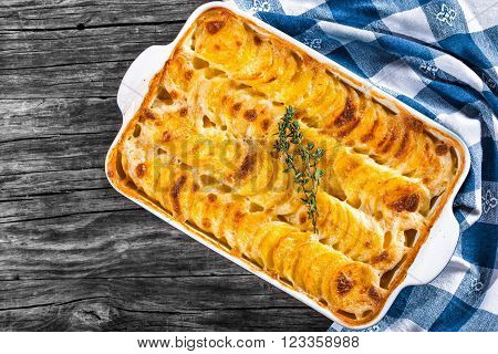 Au Gratin Dauphinois, Potatoes baked in a baking dish, close-up