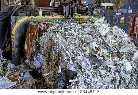 Paper refuse scrap rubbish recycling bailing compaction machine