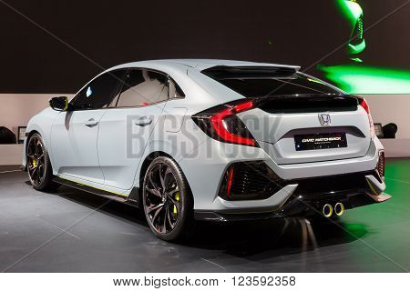 New 2017 Honda Civic Prototype Unveiled