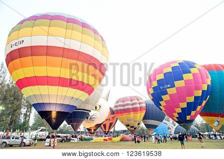 CHIANGMAI, THAILAND-March 4 : Hot air balloon flying from Thailand International Balloon Festival 2016, on March 4, 2016 in Chiangmai, Thailand