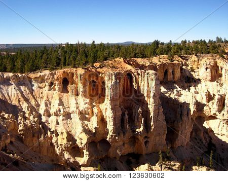 View of geological grottos in Bryce Canyon Natural Park (Utah, USA)
