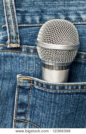 Blue jeans pocket with microphone