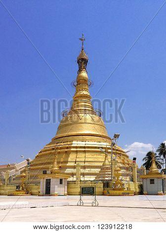 Botataung Pagoda n Yangon Myanmar (Place of worship)