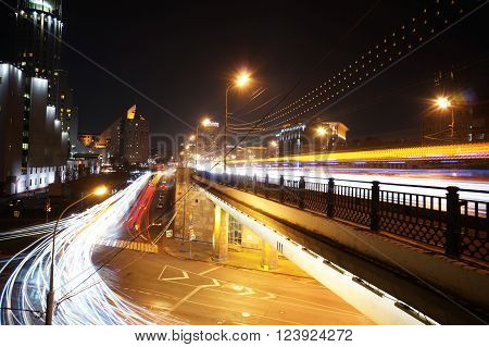 Swiss Hotel Red Hills Moscow - Big Krashokholmsky bridge at night. October 11, 2014. Time-lapse