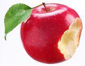 Постер, плакат: Укусил Красное яблоко на белом фоне