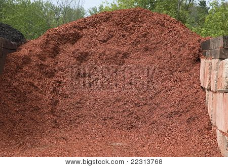 red mulch for landscaping