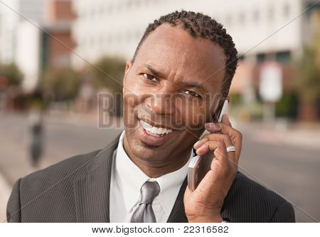 Empresário no telefone