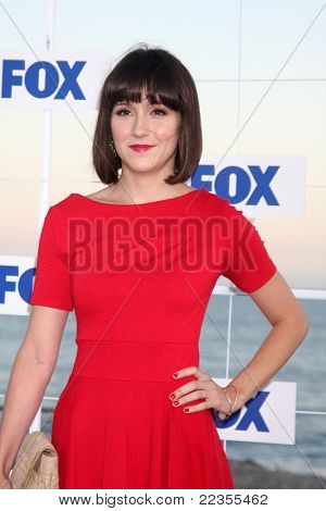 LOS ANGELES - AUG 5:  Shannon Woodward arriving at the FOX TCA Summer 2011 Party at Gladstones on August 5, 2011 in Santa Monica, CA