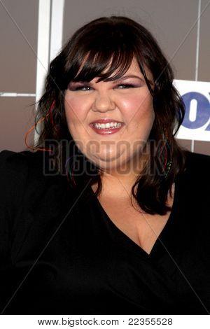 LOS ANGELES - 5 de AUG: Ashley Fink al llegar a la fiesta de FOX TCA verano 2011 en Gladstones en agosto